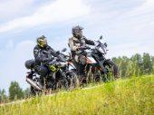 Dubbeltest Kawasaki Z400 vs. KTM 390 Adventure