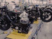 Moto Guzzi 100 jaar, een kijkje in de fabriek – Avondklok-film #52