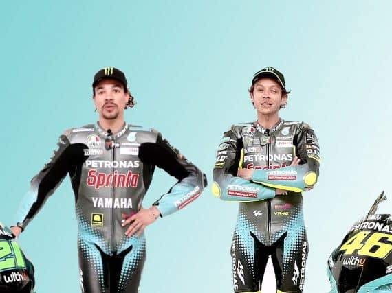 Valentino Rossi in z'n nieuwe raceoverall bij z'n nieuwe motor