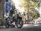 Kawasaki Rent: helm op, motorpak aan en rijden!