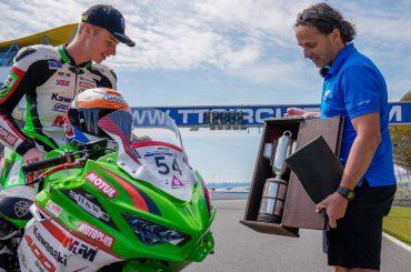 Jeffrey Buis ontvangt belangrijkste Nederlandse motorsportprijs