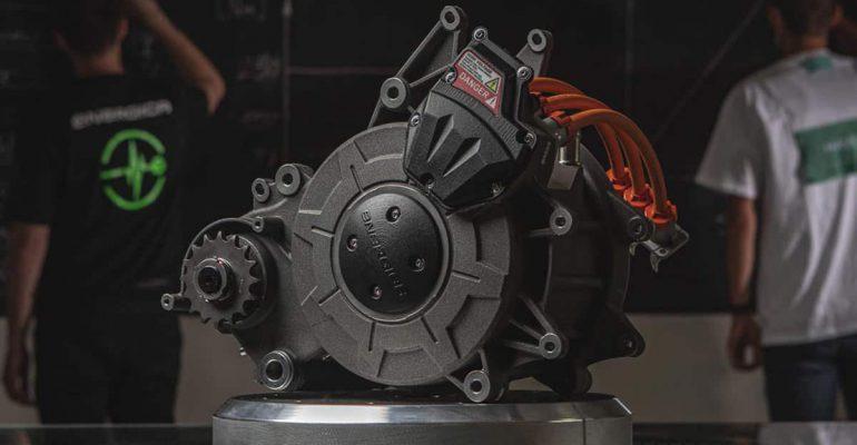 Energica bouwt lichtere, sterkere en vloeistofgekoelde elektromotor