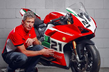 Ducati brengt met unieke Panigale V2 Bayliss eerbetoon aan Troy Bayliss