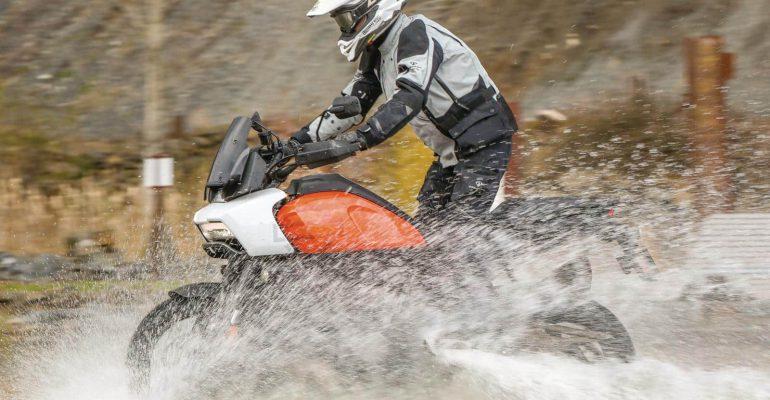 Motorkleding voor slecht weer: gelamineerde motorkleding getest