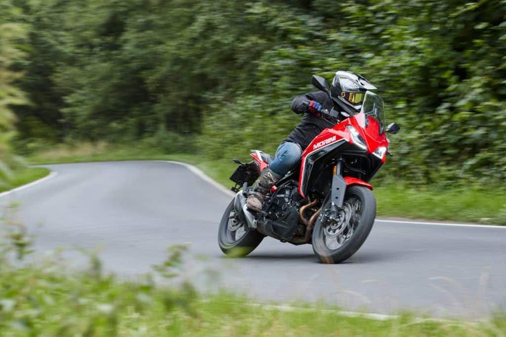 Moto Morini X-Cape op de weg