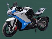 Nieuwe details QJ7000D: elektrische motorfiets met kuip