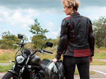 Eindelijk een motorjas waar je als vrouw geen complex van krijgt!