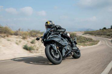 Eerste test 2022 Yamaha R7