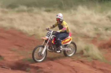 Zondagmorgenfilm: ultimate goon-riding met Ronnie Mac
