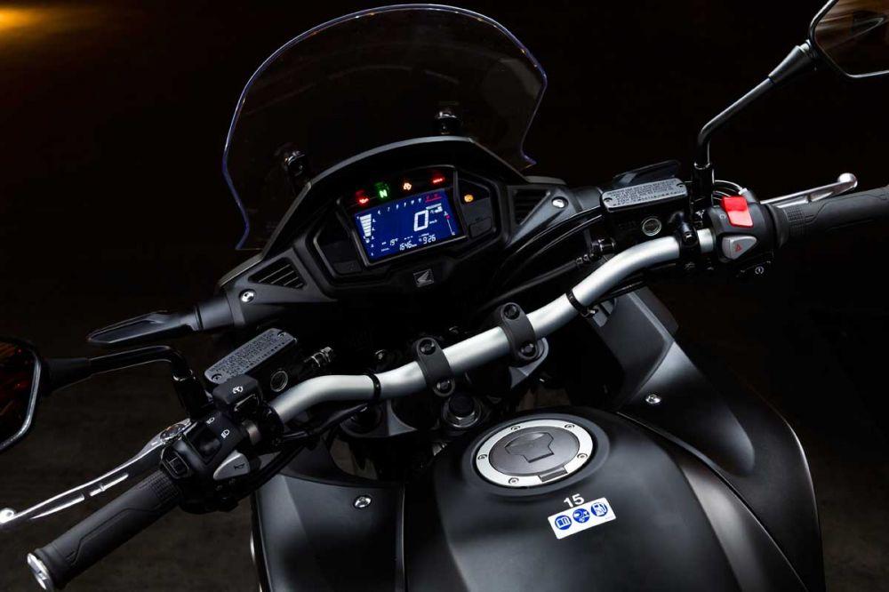 Honda Crossrunner 800 YM15 0035