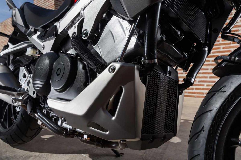 Honda Crossrunner 800 YM15 0045