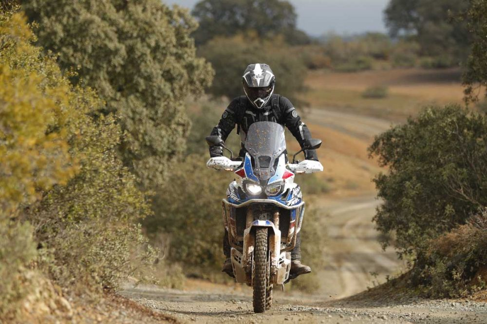 42094_AfricaTwin_AS_YM2018_3196